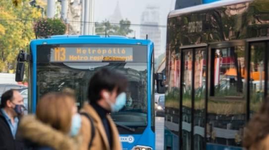 Két novemberi vasárnap az M3-as metró helyett a Lehel tér és Kőbánya-Kispest között pótlóbusz közlekedik