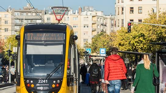 Már nyolc új CAF villamos van forgalomban Budapesten